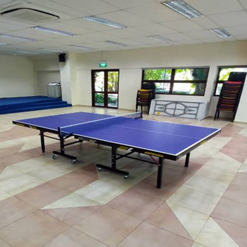 Restrictions apply to the number of persons who can use Recreational Facilities at the same time